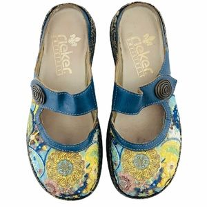Rieker boho blue floral embroidered clogs size 36